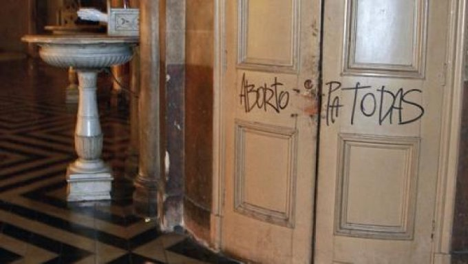 Ataque-Catedral-Santiago-Chile