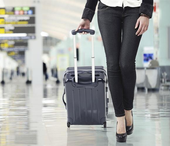 Chica-aeropuerto