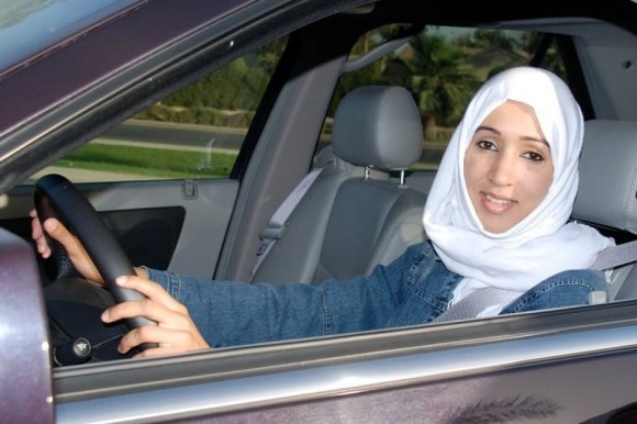 Conducir-daña-los-ovarios-de-las-mujeres