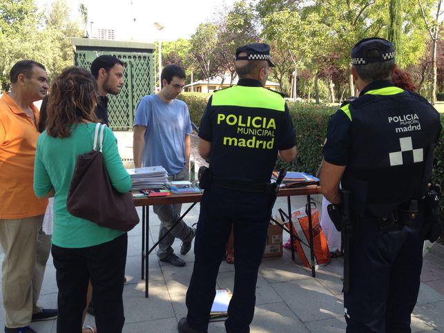 Desalojo-mercadillo-trueque-de-libros-Madrid