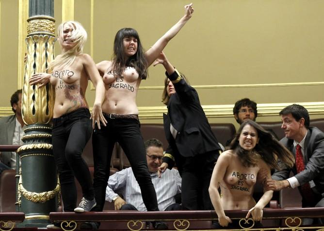 Femen-España-Congreso-Diputados
