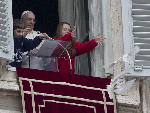 atacadas_las_palomas_paz_Papa_Francisco