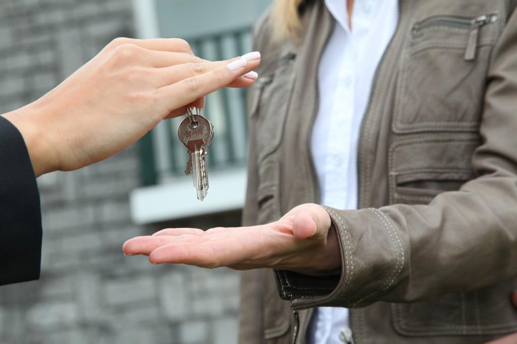 closeup on bunch of home keys