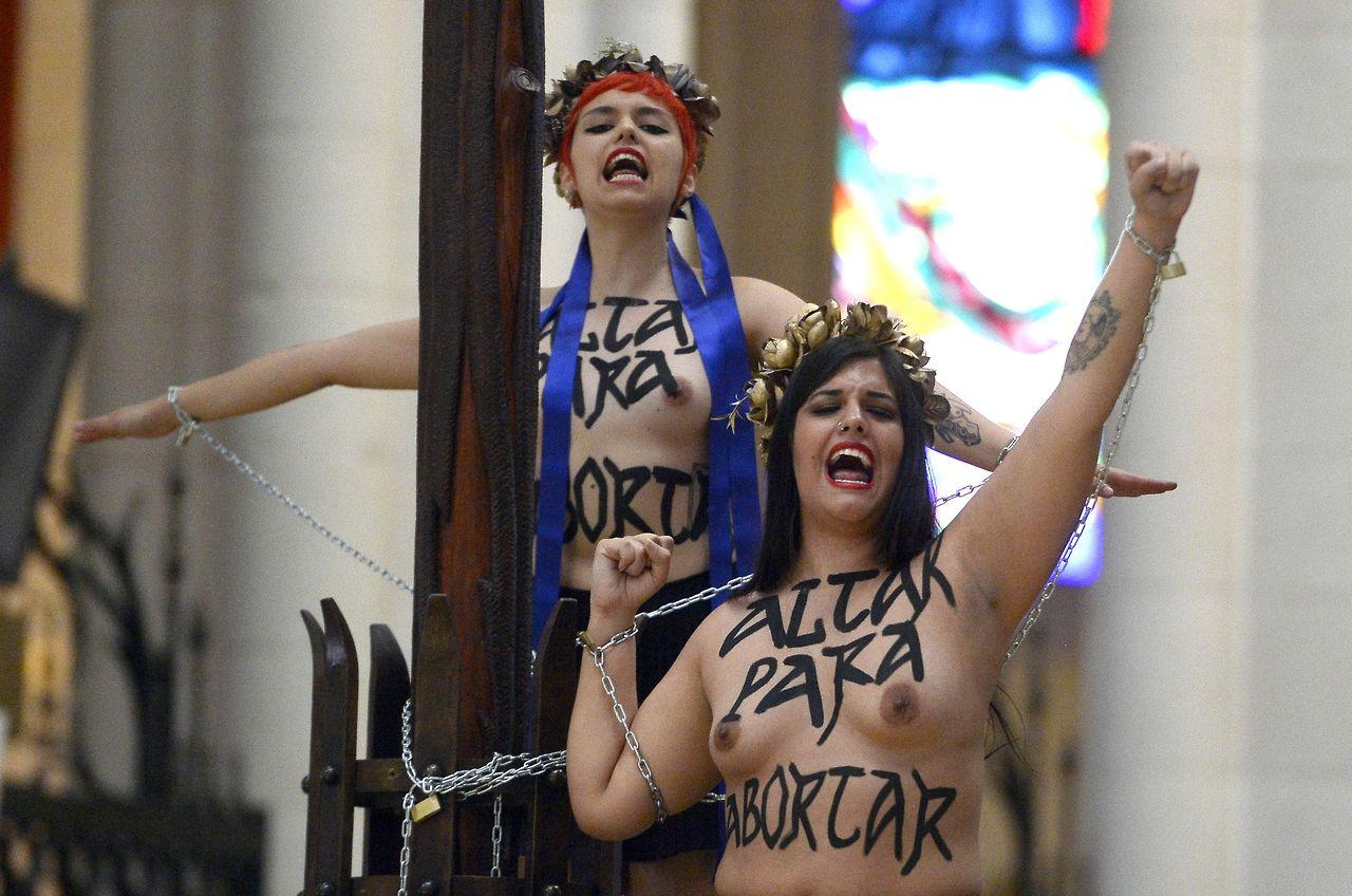 Femen-catedral-Almudena