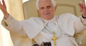 El Papa Benedicto XVI rompe su silencio