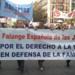 Decenas de miles de personas se manifiestan por la vida en Madrid