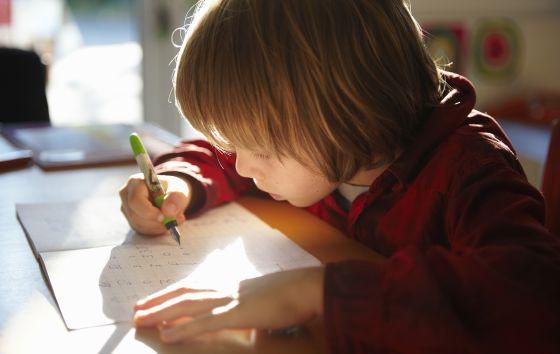 alumno-estudiando