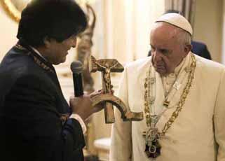 crucifijo-comunista-evo-morales-papa-francisco