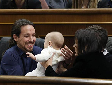 iglesias-bebe-apurado-parlamento