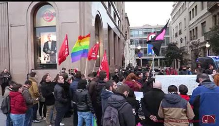 grupo-violento-homosexuales-revineta-conferencia-homosexual-catolico