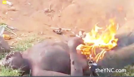 musulmanes-africa-queman-hombre4