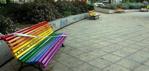 bancos-bandera-gay-valencia