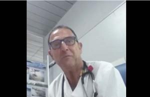 médico indignado