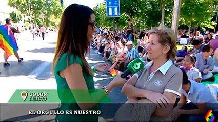 Mujer en contra orgullo gay