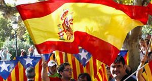 banderas de España y esteladas separatistas