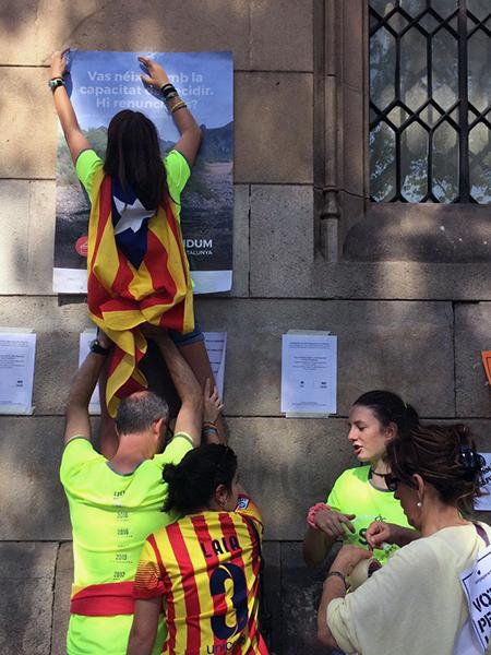 Jóvenes separatistas edad escolar en Cataluña