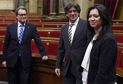 Mujer Puigdemont