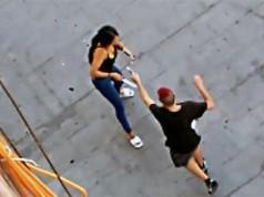 Un joven dispara a su expareja
