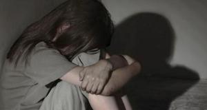 Joven violada por su padre