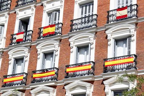 Balcones con la bandera de España