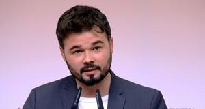 Gabriel Rufián en una rueda de prensa con los medios de comunicación