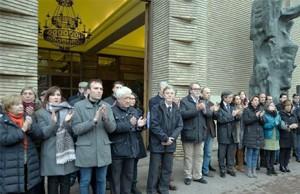 Minuto silencio en Zaragoza asesinato Víctor Laínez