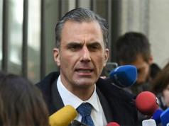 Javier Ortega de VOX hablando sobre el golpista Oriol Junqueras ante los medios de comunicación