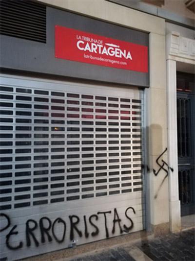 La Tribuna de Cartagena atacada por militantes de la extrema izquierda. Redacción de La Tribuna de Cartagena