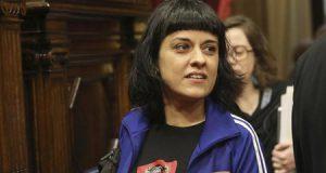 Anna Gabriel en el Parlament de Cataluña