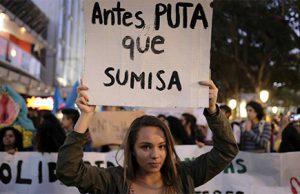 Manifestación radical feminista: Antes puta que sumisa