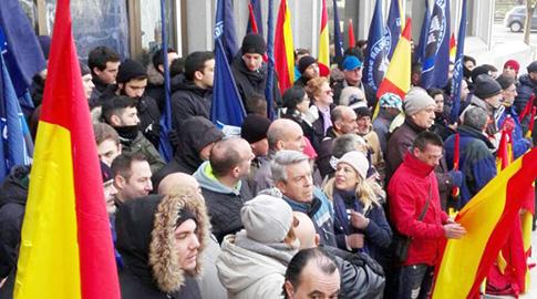 Militantes y simpatizantes del Hogar Social Madrid