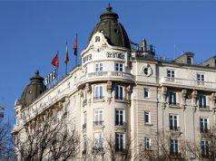 Fachada del edificio del famoso y lujoso Hotel Ritz de Madrid