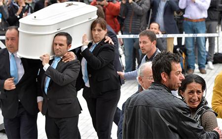 Los padres del asesinado Gabriel despiden a su hijo por última vez
