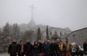 Los comunistas de Podemos visitan la Santa Cruz del Valle de los Caídos