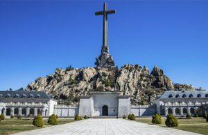 Valle de los Caídos. Los Senadores aceptan acudir al Valle de los Caídos para reunirse con el Prior