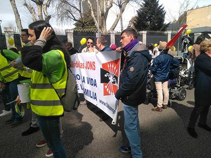 militantes de Falange Española de las JONS boicoteados por la organización provida en la marcha en defensa de la vida en Madrid