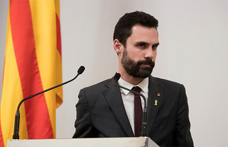 Roger Torrent en el Parlament de Cataluña