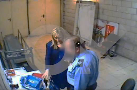 Cristina Cifuentes robando en un supermercado