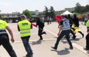 militantes de extrema izquierda agreden a jóvenes de SCC en la universidad complutense de Barcelona