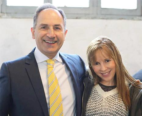 Pedro Varela junto a Belinda López