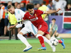 Sergio Ramos y Salah en la final de Champions en Kiev