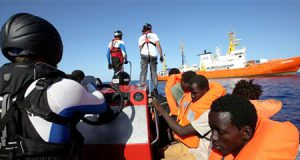 inmigrantes del barco Aquarius