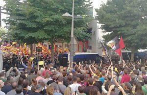 Enfrentamiento entre defensores de la Unidad de España y separatistas en la ciudad de Mataró