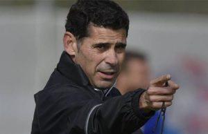 Fernando Hierro en un entrenamiento de fútbol