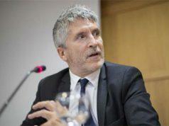 El ministro de interior Grande-Marlaska con los medios de comunicación