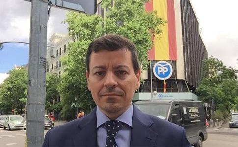 José Luis Bayo en la sede nacional del Partido Popular