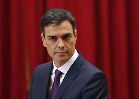 El Presidente Pedro Sánchez en un acto público con los medios de comunicación