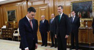 Pedro Sánchez promete el cargo como Presidente del Gobierno ante el Rey sin símbolos religiosos