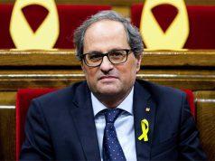 El president Quim Torra en el Parlament de Catalunya con el lazo amarillo