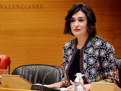 La ministra de sanidad, Carmen Monton, en el un acto con la prensa